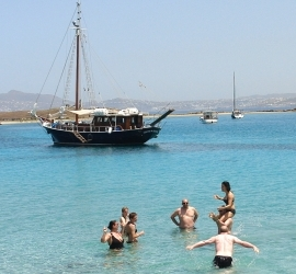 提洛及雷尼亚游船