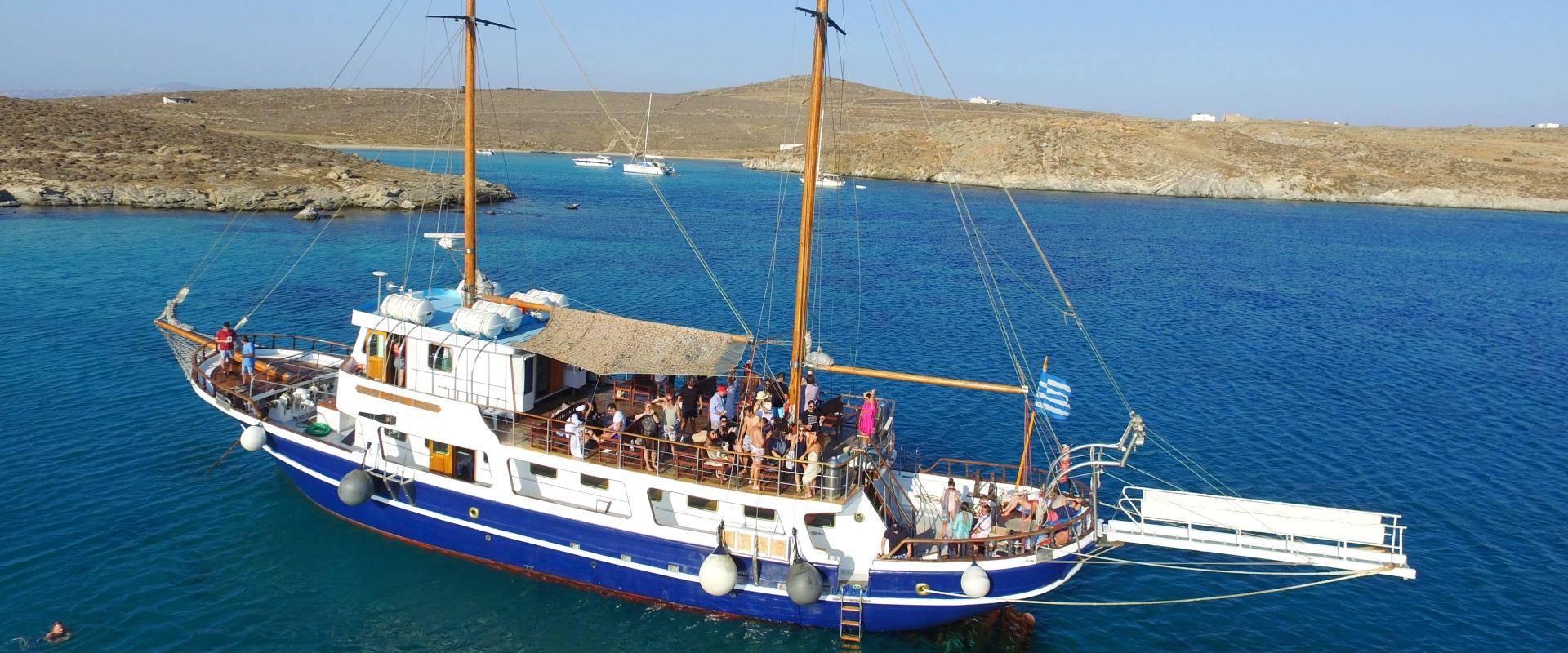 ophia-star-cruise-boat-mykonos-bg-cover-5-Aegean-Ventures