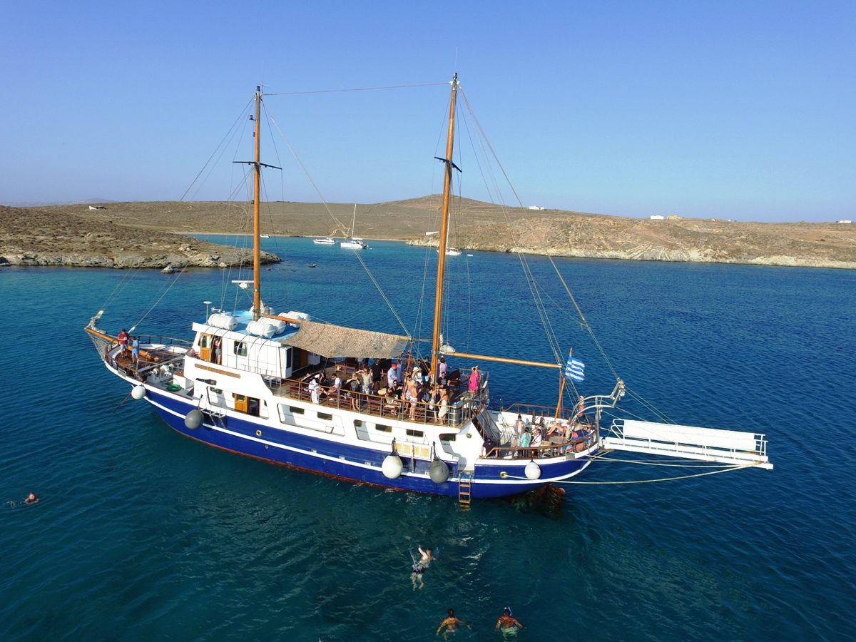Sophia Star Cruise Boat - Traditional handcrafted Wooden Boat in Mykonos
